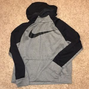 Nike boys xl hoodie great condition